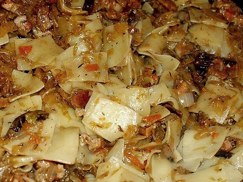 Lazanki Recipe – Egg Noodle With Sauerkraut & Bacon (Wazanki)