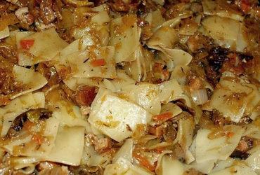 Lazanki – Egg Noodle With Sauerkraut & Bacon (Wazanki)