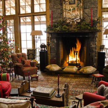 Rustic Living Room Christmas Interior Design - Log Home