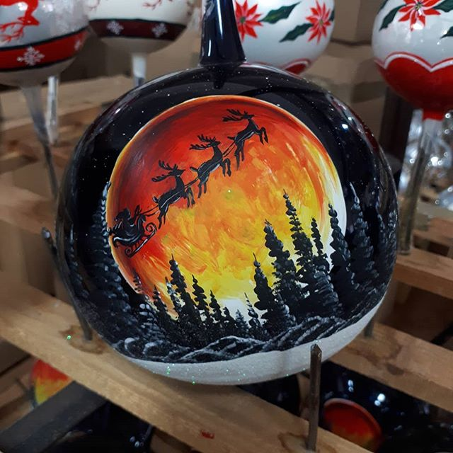 Handpainted Christmas Baubles by Vitbis